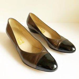 Salvatore Ferragamo Round Toe Slip Two Tone 6.5